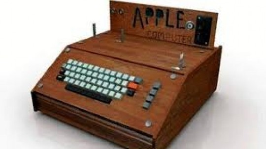 Fully functioning Apple-1 computer on the block